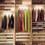 Запах в шкафу: боремся с одежными диверсантами
